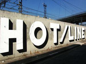 Hot_Line_close